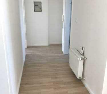 Sanierte helle 3 Zimmer Maisonette-Wohnung in Offenbach