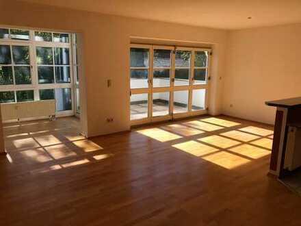 Erstbezug nach Sanierung: stilvolle 3-Zimmer-Wohnung mit Balkon in Feldafing
