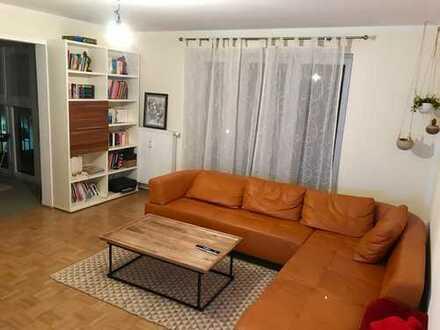 Wunderschönes eingerichtetes Zimmer inkl. eigenem Balkon in gepflegter Whg.