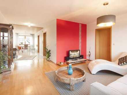 Möblierte, gepflegte und helle 4-Zimmer-Wohnung mit Balkon und EBK in Salem