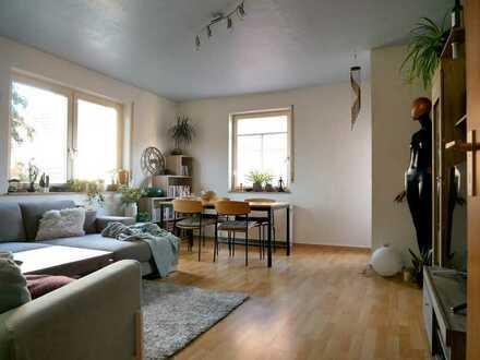 Sonnige Zwei-Zimmerwohnung mit Balkon, zentral in Weil der Stadt