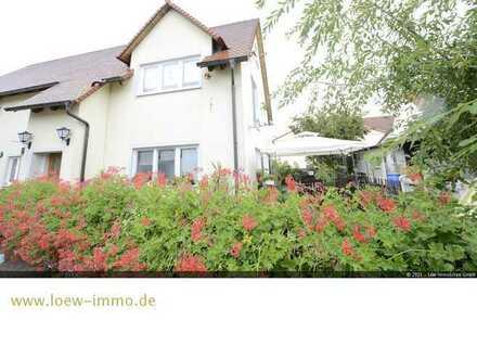 Gemütliches Einfamilienhaus mit Einliegerwohnung und kleinem Garten