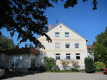 Geräumiges Wohn- und Geschäftshaus im Zentrum von Hütschenhausen