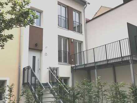 Stilvoll Wohnen: Exklusives Townhouse in bester Innenstadtlage im Quartier an den Stadtmauern