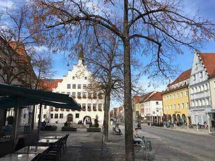 Vermietete 3-Zimmer-Eigentumswohnung mit Balkon in zentraler Innenstadtwohnlage von Neumarkt