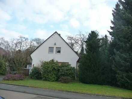Freistehendes Einfamilienhaus mit großem Garten/frisch renoviert in Köln, Longerich
