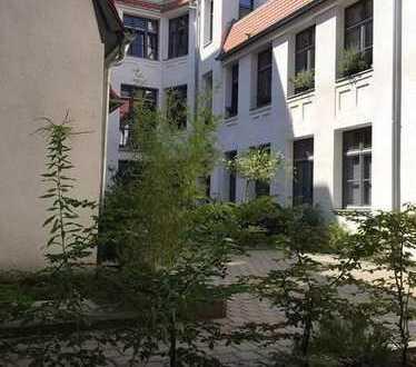 Tolle Altbau Wohnung mit Terrasse