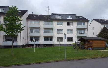 Helle hübsche 3 Zimmerwohnung mit Balkon!