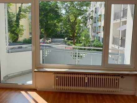 Sendling! Renovierte 2-Zimmer Wohnung mit Balkon!