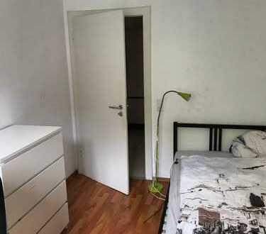 Schönes 12qm Zimmer in zentraler Lage