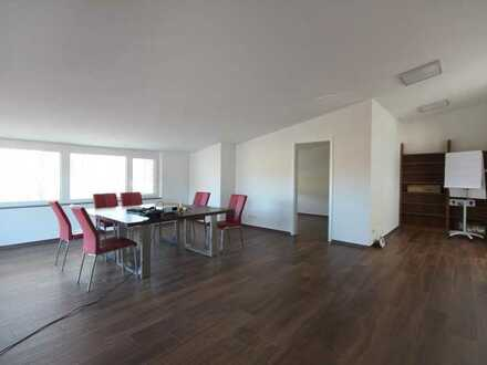 Gutach ++ Großzügiges und helles Büro mit 86 m²