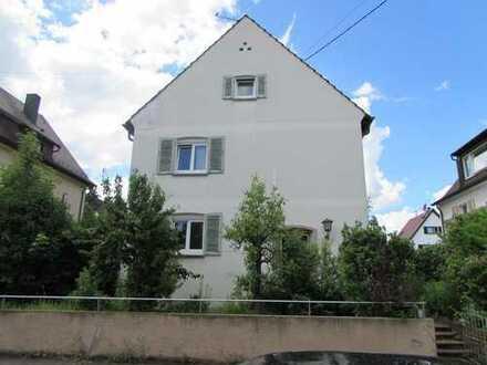 2-Familienhaus in perfekter Lage mit tollem Garten in der Ludwigsburger Weststadt