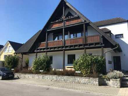 Sehr gepflegte Dachgeschosswohnung, 2 Balkone, Top-Wohnlage Unterföhring