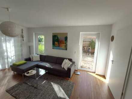 Hochwertig ausgestattete zwei Zimmer Maisonette-Wohnung