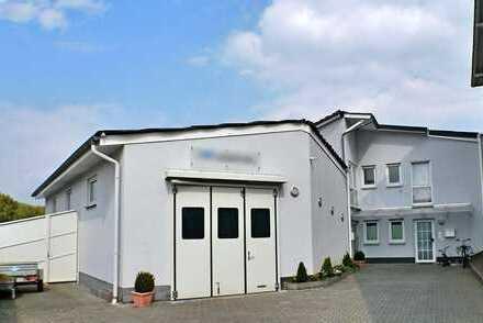 Moderne Halle mit Büroflächen in Bensheim
