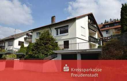 Einfamilienhaus mit Einliegerwohnung und großem Kaminzimmer in Klosterreichenbach