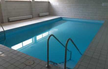 4-Zi.-ETW inkl. Pool, Sauna, Garage, Balkon, Küche – komplett neu renoviert – ohne Makler
