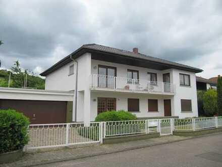 Sehr schönes Haus am Hang in Ortsrandlage in Südliche Weinstraße (Kreis), Bad Bergzabern