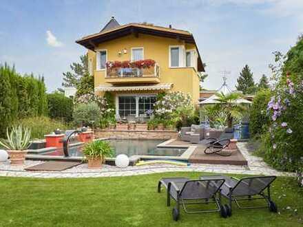 Einfamilienhaus mit Luxus-Pool in Berlin-Mahlsdorf