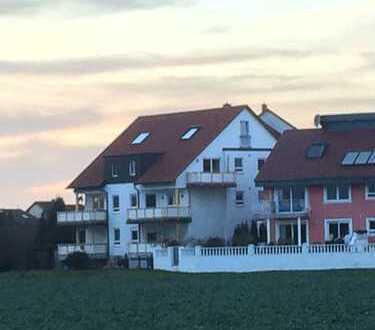 Traumhafte Dachgeschoss-Maisonette-Wohnung mit Seeblick in Lu-Melm