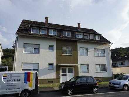 Helle, geräumige 3-Zimmer-Wohnung mit Balkon und eigener Garage in ruhiger Lage