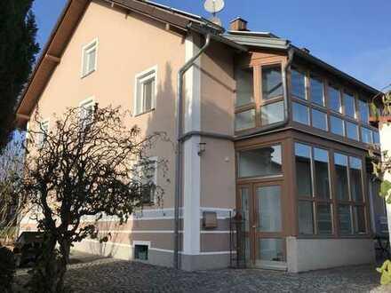 DHH Haus mit Garten und Doppelgarage