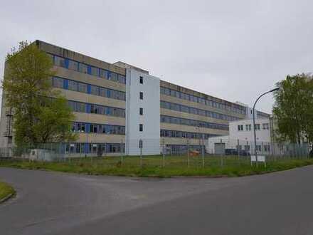 Lager,- Produktions,- und Büroräume auf fünf Etagen nähe A12