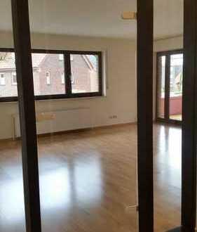 Vollständig renovierte 3-Zimmer-Wohnung mit Balkon und Einbauküche in Lingen (Ems)