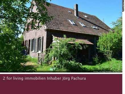 Wohnträume verwirklichen in einem teilsanierten Bauernhaus inmitten ländlicher Idylle!