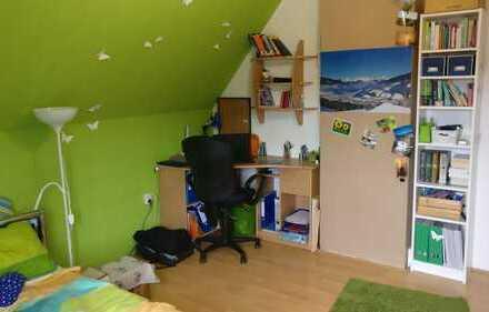 Zimmer in 4er WG mit Dachterasse in Emder Innenstadt