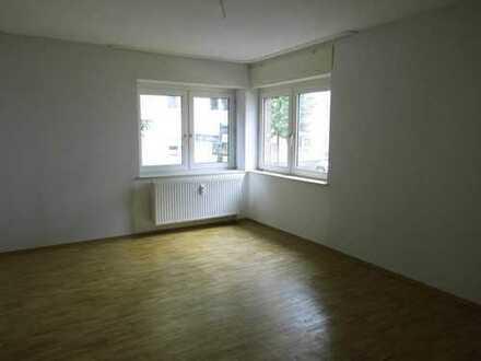 TOP 2,5 (oder 3-)Raum EG-Wohnung in ruhiger Lage! Stadtnah! WG-Geeignet!