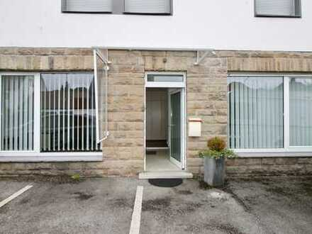 Lichtdurchflutete Büroräume mit großen Fensterflächen und separatem Eingang in Ennepetal-Voerde!