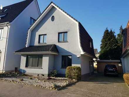 Ideal als Paar oder für Singles - umfassend renovierter Wohntraum in Varel zu verkaufen!