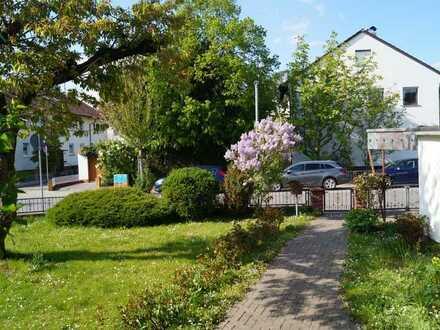 Freistehendes Einfamilienhaus mit wunderschönem Garten am Waidsee Weinheim