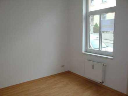 Gut geschnittene 2-Raum-EG-Wohnung