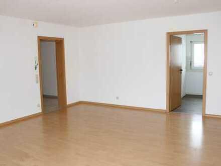 Nette 3-Zimmer Dachgeschosswohnung in ruhigem Mehrfamilienhaus