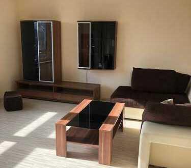 3-Zimmer-Möblierte Wohnung mit Balkon und Einbauküche in Eschborn