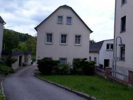 Preiswerte 3-Zimmer-Wohnung mit Balkon und EBK in Waldheim