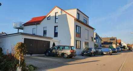Neuwertige exklusive 4-Zimmer-EG-Wohnung mit EbK und Terrasse in Energiesparhaus En55 in Köngen