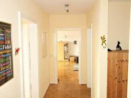 Helle Wohnung mit 2 Südbalkonen...