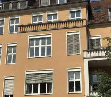 Erstbezug! Sonnendurchflutete 2-Zimmer-Altbauwohnung mit Aufzug und Balkon im Herzen der List