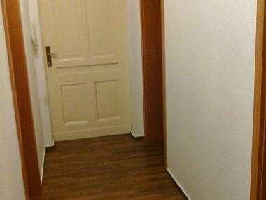 2-Zimmer Wohnung 67m2 suche Untermieterin