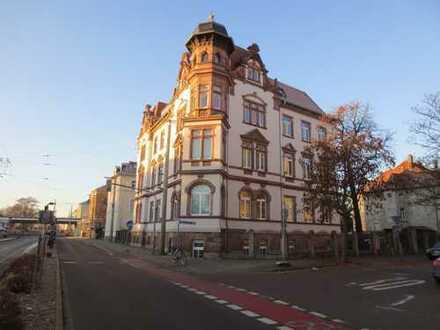 Charmante DG-Wohnung in Kulturdenkmal.