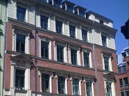 Dachgeschosswohnung großzügig und helle Räume mit interessanter Raumaufteilung