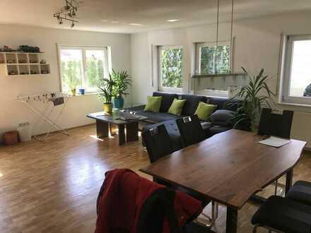 Große 2 1/2 Zi.- Wohnung in Karlsruhe-Grünwettersbach