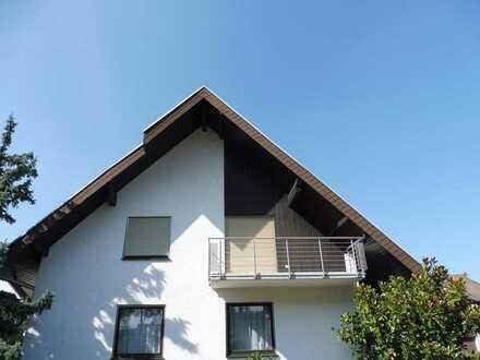 Gepflegte 2-Zimmer-Wohnung mit Balkon und EBK in Karlsruhe-Daxlanden