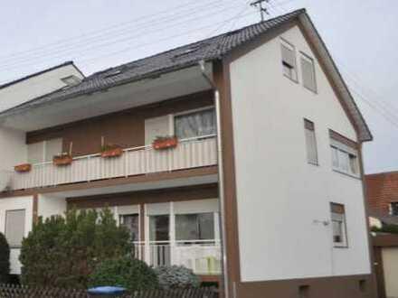 Sehr schöne 2-Zimmer-Dachgeschosswohnung mit Stellplatz