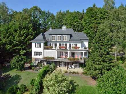 Herrschaftliche Villa in Aussichtslage