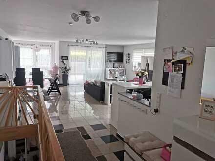 Neuwertige Maisonettewohnung mit großer Sonnenterrasse in Toplage