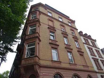 schöne 3-Zimmer Altbau Stadtwohnung mit EBK in der Rheinstraße im 3 OG